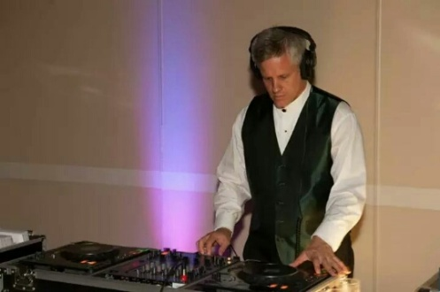 Wedding DJ photo